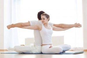 DSM_couple-yoga_shutterstock